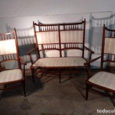 Antigüedades: SOFÁ Y SILLONES. Lote 163380526