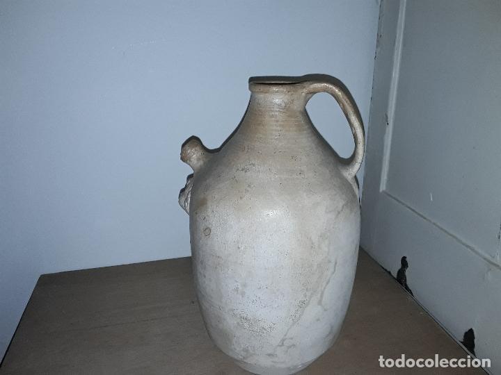 Antigüedades: Antiguo cántaro, botijo, vasija de terracota con cabeza de querubin pieza rara - Foto 3 - 163381374
