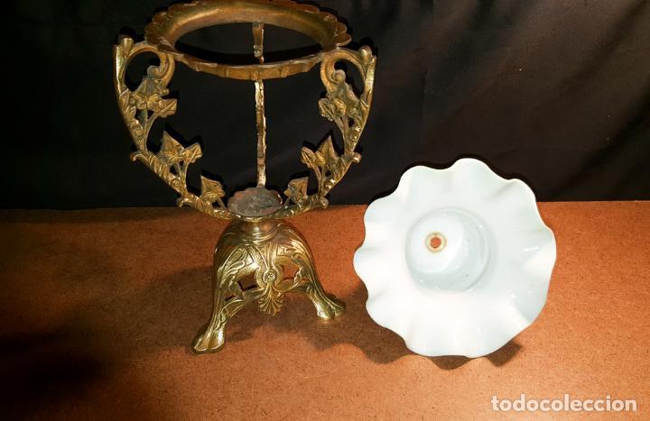 Antigüedades: CENTRO DE BRONCE Y OPALINA - Foto 4 - 163384530