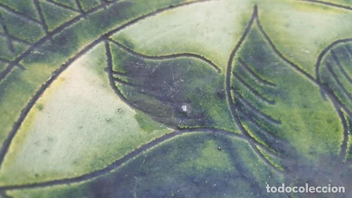 Antigüedades: PLATO. CERÁMICA CATALANA. ESMALTADA A MANO. SIGLO XX. - Foto 4 - 163387618