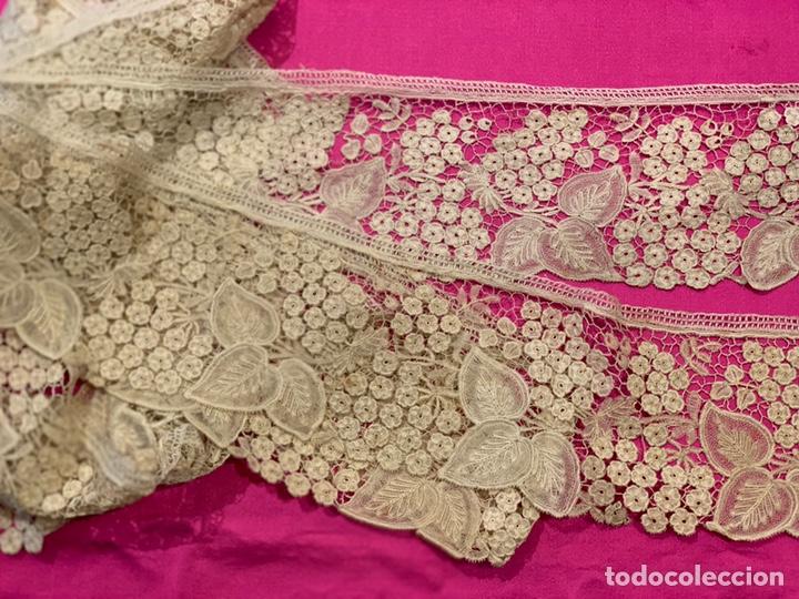 Antigüedades: Encaje antiguo Punto Duquesa para vírgenes dolorosas, moda, novia, indumentaria valenciana - Foto 3 - 163400952