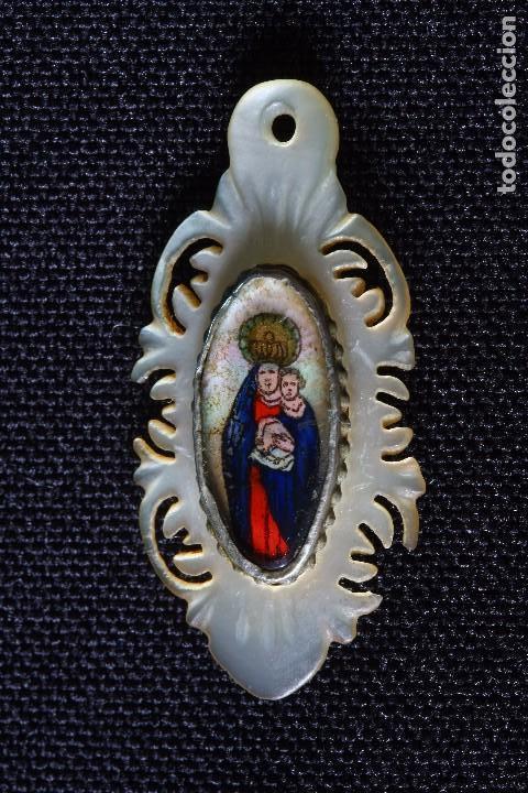 MEDALLA RELICARIO PINTADA-PLATA Y NACAR (Antigüedades - Religiosas - Relicarios y Custodias)