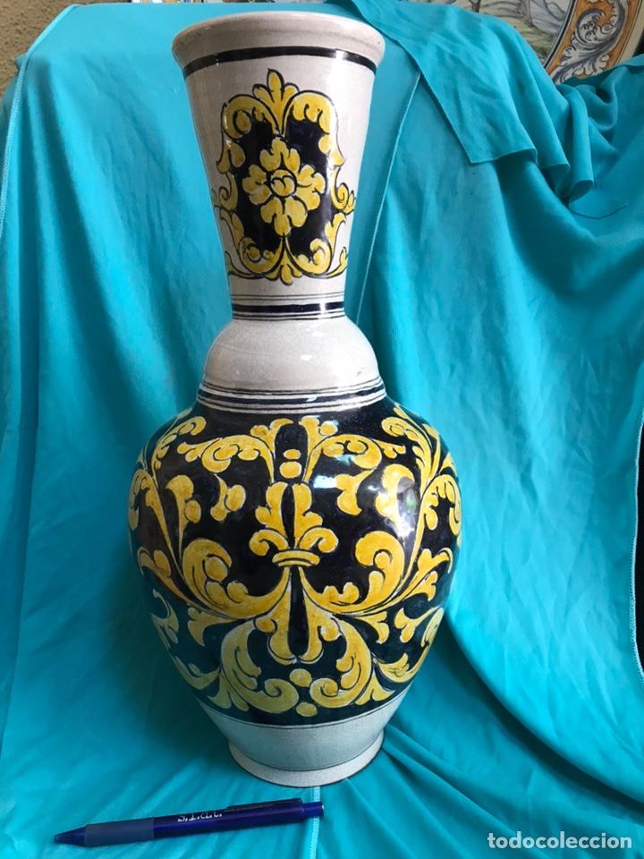 GRAN FLORERO CERÁMICA DE TALAVERA SIN FIRMAR (Antigüedades - Porcelanas y Cerámicas - Talavera)