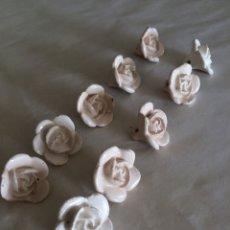 Antigüedades: FLORES DE CERAMICA BLANCAS. Lote 163463264