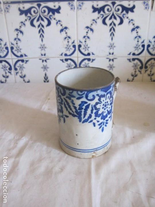 ANTIGUA PIEZA DE CERAMICA EN COLOR BLANCO Y AZUL COBALTO (Antigüedades - Porcelanas y Cerámicas - Otras)
