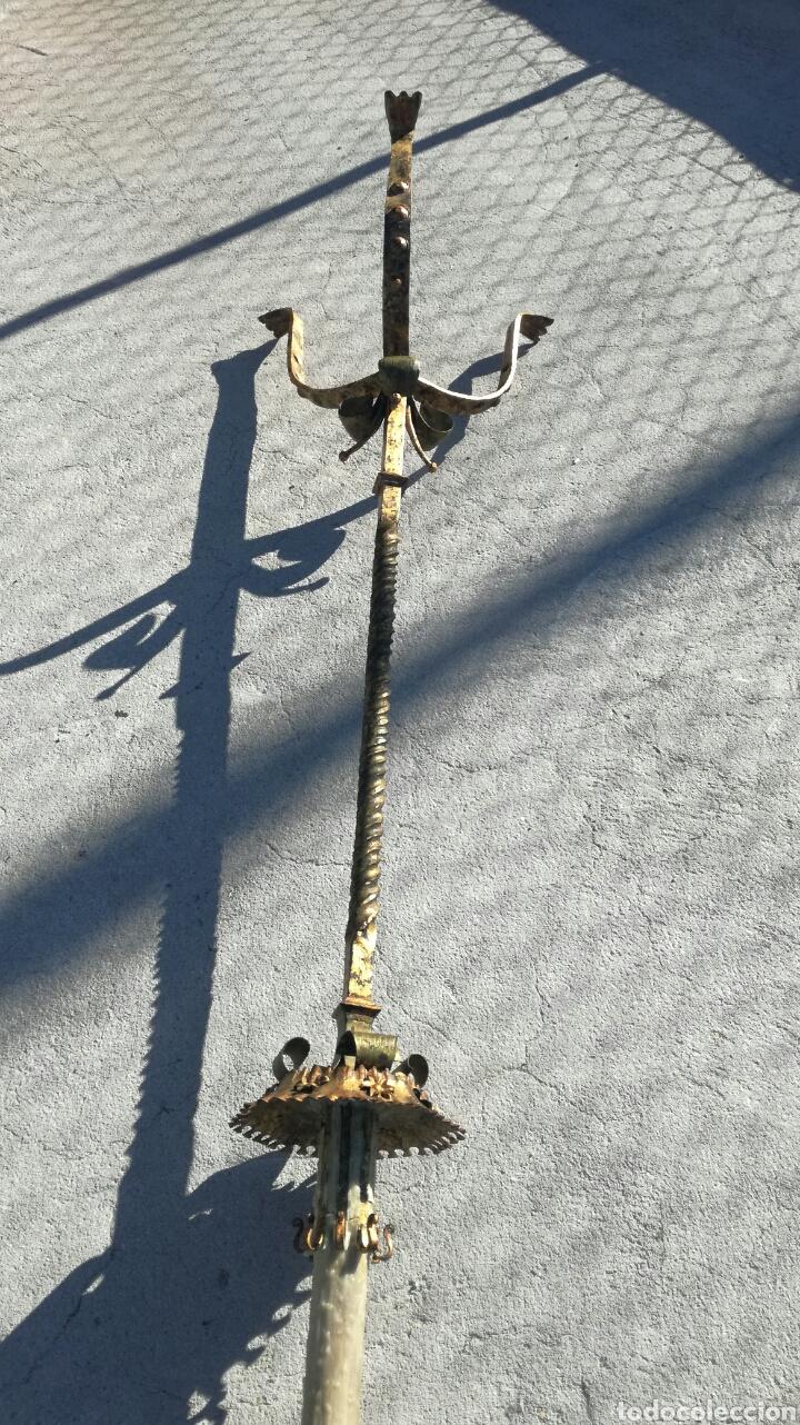 Antigüedades: Achero de forja para velas - Foto 2 - 163537594