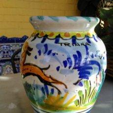 Antigüedades: JARRÓN ANTIGUO DE TRIANA. Lote 163577898