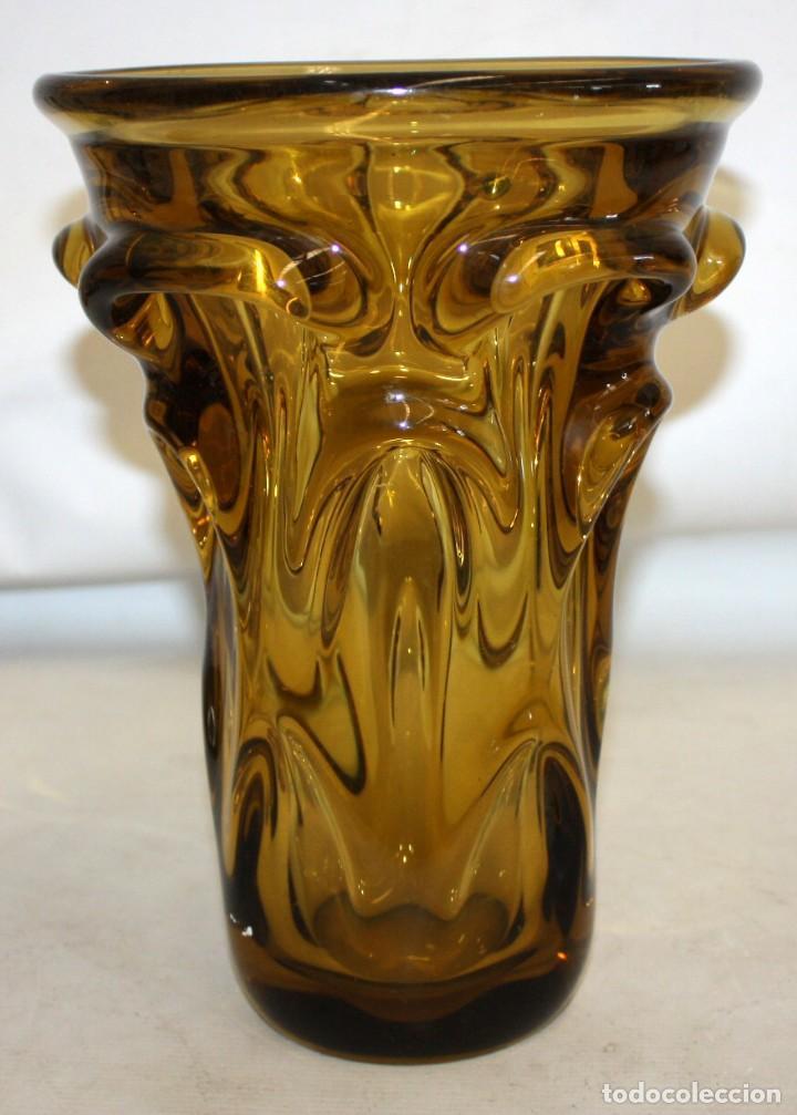 DECORATIVO JARRON EN VIDRIO DE MURANO. AÑOS 50 (Antigüedades - Cristal y Vidrio - Murano)