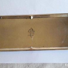 Antigüedades: BANDEJA ART DECO EN PLATA MARCA MENESES CON INICIALES. Lote 163789374