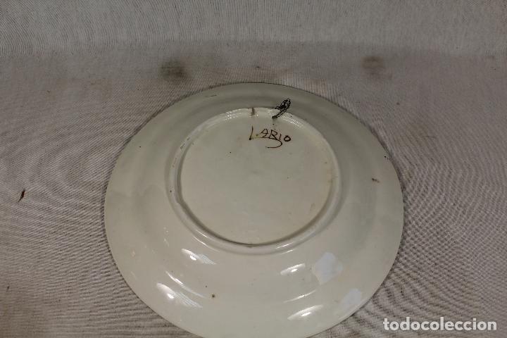 Antigüedades: plato antiguo pintado a mano firmado lario - Foto 2 - 163807686