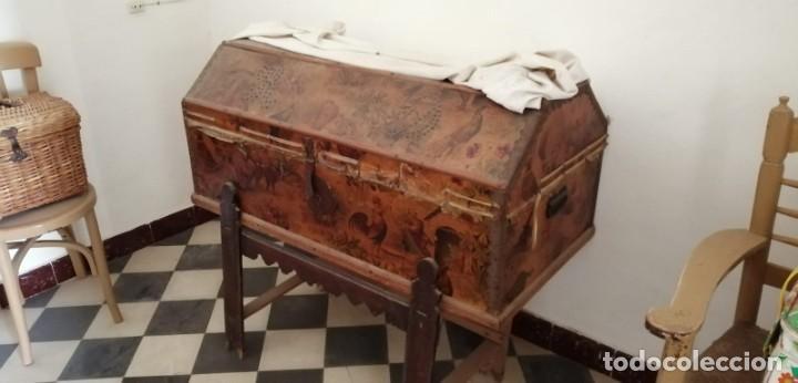 BAÚL ANTIGUO CON SOPORTE. (Antigüedades - Muebles Antiguos - Baúles Antiguos)