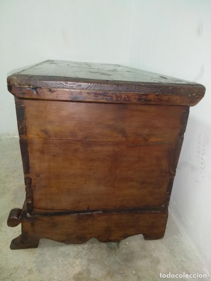 Antigüedades: BONITA ARCA BAUL CON CERRADURA Y LLAVE ENSAMBLE COLA DE MILANO 99 CM DE LONGITUD INICIOS SIGLO XIX - Foto 9 - 163989974