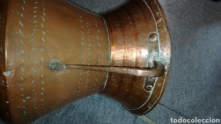 Antigüedades: Cubo de cobre repujado con asas - Foto 3 - 164041690