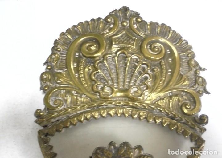 Antigüedades: ANTIGUA CRUZ. RELIQUIA. METAL. NOMBRES DE IMAGENES. VIRGEN DE LOS REYES, DEL ROCIO, MACARENA. VER - Foto 4 - 164120458