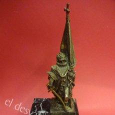 Antigüedades: RAFAEL CASANOVA. ESCULTURA DE BRONCE SOBRE PEANO DE MÁRMOL. 16 CTMS. ALTURA TOTAL CON PEANA. Lote 164121614