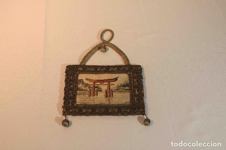 CUADRO BORDADO JAPON (Antigüedades - Hogar y Decoración - Otros)