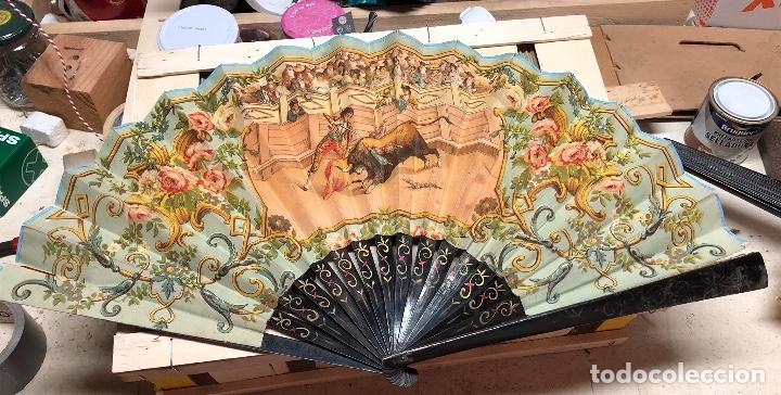 Antigüedades: Lote de 3 abanicos antiguos laminas de papel - Foto 2 - 164309986
