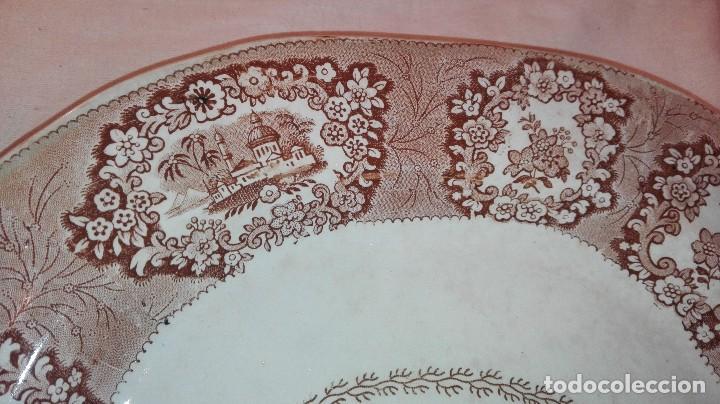 Antigüedades: ESPECTACULAR BANDEJA DE GRAN TAMAÑO DECORADA EN MARRÓN - Foto 3 - 164336538