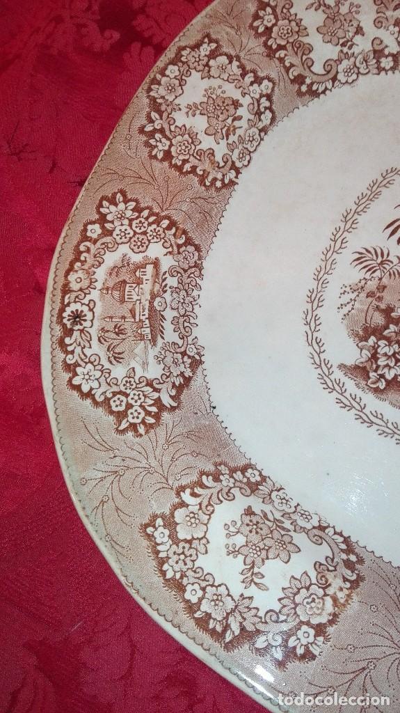 Antigüedades: ESPECTACULAR BANDEJA DE GRAN TAMAÑO DECORADA EN MARRÓN - Foto 6 - 164336538