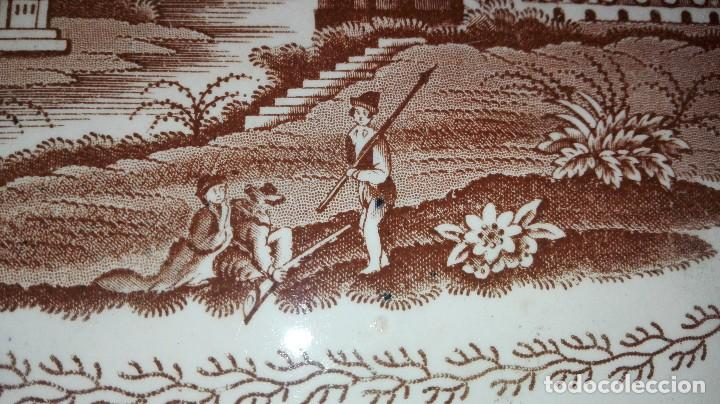 Antigüedades: ESPECTACULAR BANDEJA DE GRAN TAMAÑO DECORADA EN MARRÓN - Foto 7 - 164336538