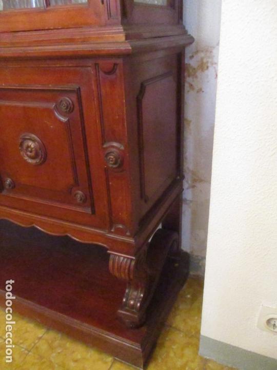 Antigüedades: Vitrina - Estilo Victoriana - Madera de Haya Color Caoba - con Peana - Años 40 - Foto 2 - 164441378