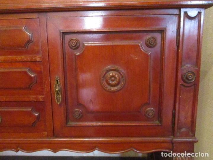 Antigüedades: Vitrina - Estilo Victoriana - Madera de Haya Color Caoba - con Peana - Años 40 - Foto 7 - 164441378