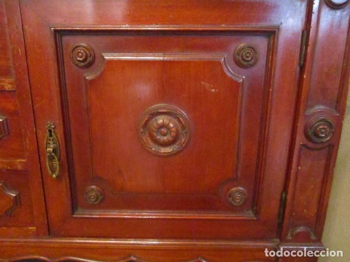 Antigüedades: Vitrina - Estilo Victoriana - Madera de Haya Color Caoba - con Peana - Años 40 - Foto 8 - 164441378