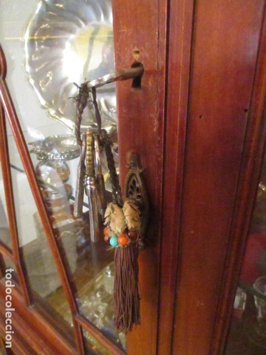 Antigüedades: Vitrina - Estilo Victoriana - Madera de Haya Color Caoba - con Peana - Años 40 - Foto 15 - 164441378