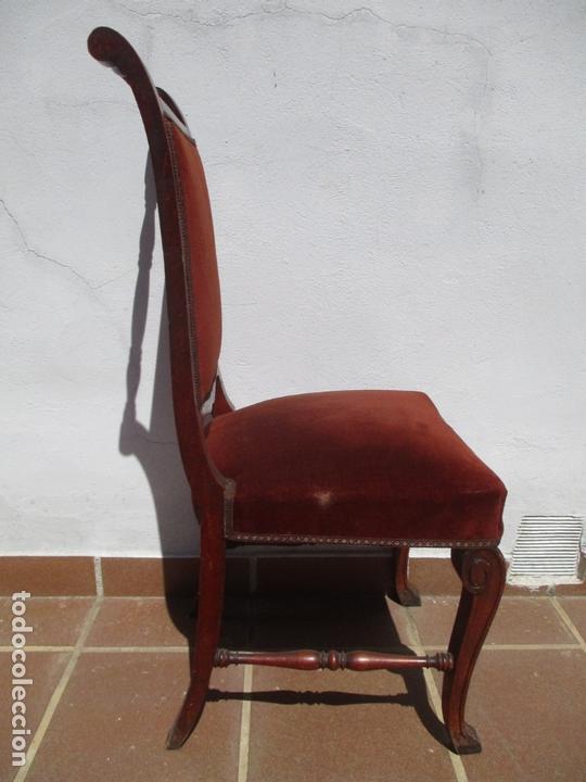 Antigüedades: Juego 6 Sillas de Comedor, Salón - Madera Haya, Color Caoba - Tapicería Terciopelo, Rojo - Años 40 - Foto 3 - 164459146