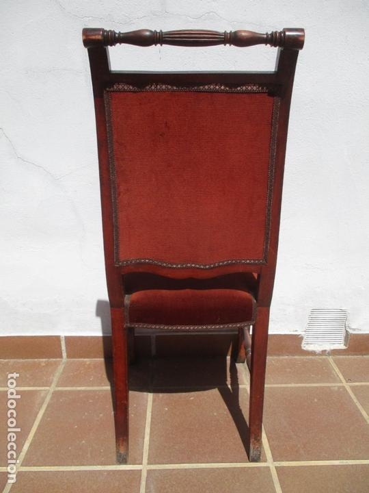 Antigüedades: Juego 6 Sillas de Comedor, Salón - Madera Haya, Color Caoba - Tapicería Terciopelo, Rojo - Años 40 - Foto 4 - 164459146