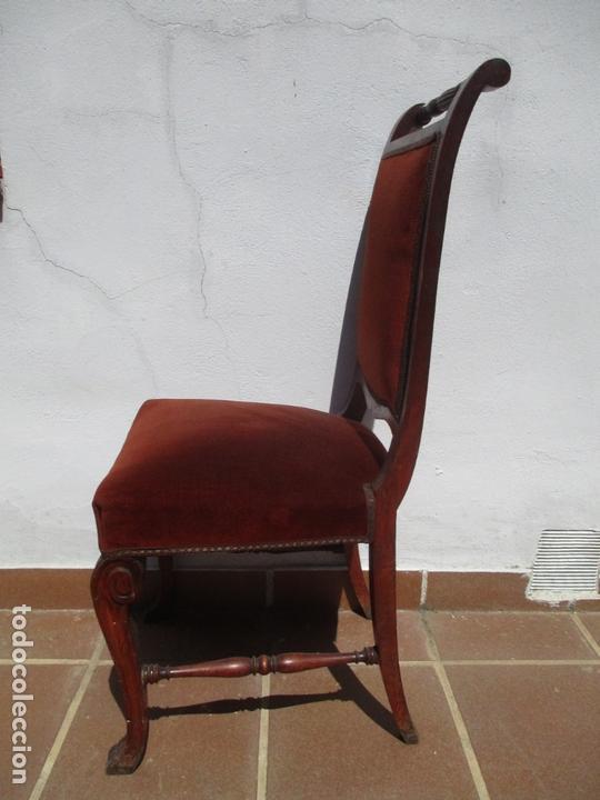 Antigüedades: Juego 6 Sillas de Comedor, Salón - Madera Haya, Color Caoba - Tapicería Terciopelo, Rojo - Años 40 - Foto 5 - 164459146