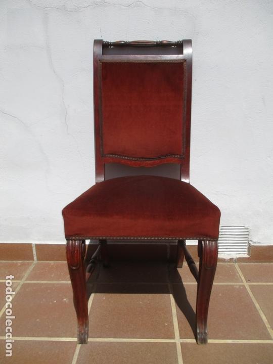 Antigüedades: Juego 6 Sillas de Comedor, Salón - Madera Haya, Color Caoba - Tapicería Terciopelo, Rojo - Años 40 - Foto 6 - 164459146