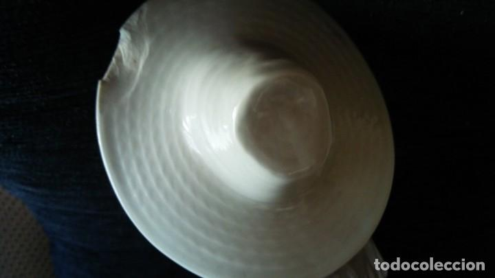 Antigüedades: Figura nao lladro con defecto - Foto 5 - 164473006