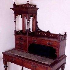 Antigüedades - Antiguo escritorio alfonsino en nogal. Principios del siglo XX - 164509470