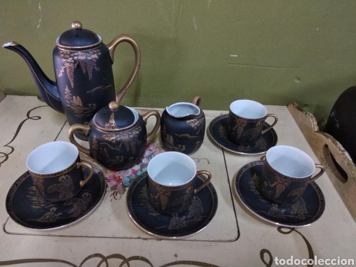 JUEGO DE CAFE JAPONES. IMAGEN GEISHA. EIHO JAPÓN. CUATRO SERVICIOS.DORADO Y NEGRO (Antigüedades - Porcelana y Cerámica - Japón)
