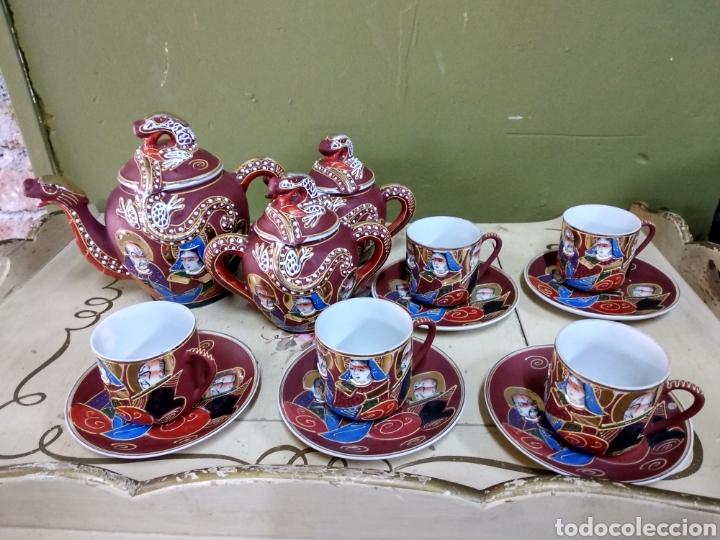 JUEGO DE CAFE JAPONES. IMAGEN GEISHA. EIHO JAPÓN. CINCO SERVICIOS. GRANATE (Antigüedades - Porcelana y Cerámica - Japón)