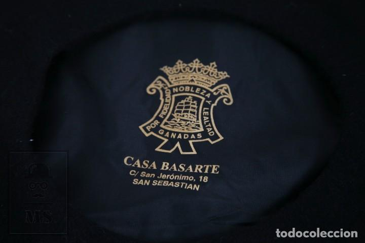 Antigüedades: Boina / Txapela Vasca con Emblema de Euskadi Bordado - Casa Basarte. San Sebastián - Diámetro 30 cm - Foto 4 - 164577058