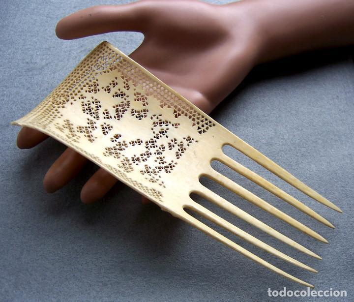 Antigüedades: Mano tallada antigüedad peine de marfil genuino del Oriente - Foto 8 - 164584370