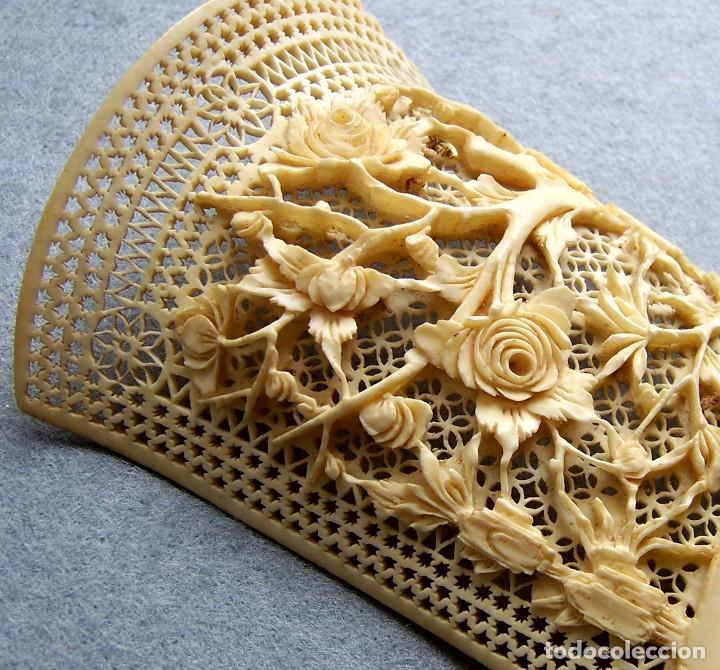Antigüedades: Mano tallada antigüedad peine de marfil genuino del Oriente - Foto 10 - 164584370