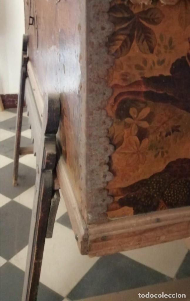 Antigüedades: Baúl Antiguo con soporte. - Foto 2 - 163972030