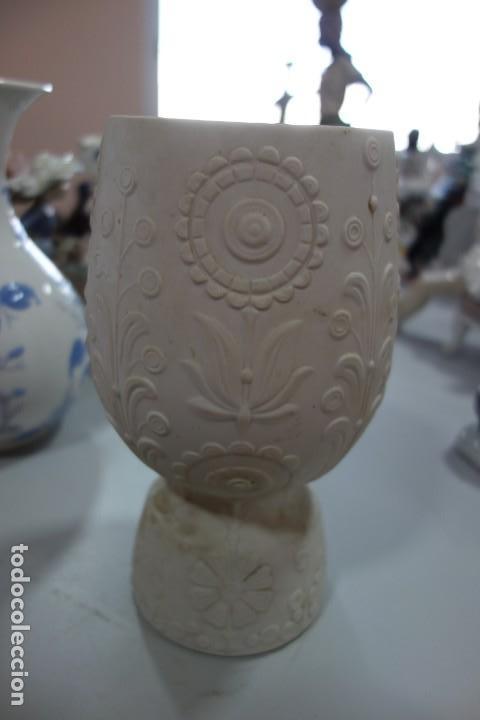Antigüedades: FLORERO DE PORCELANA DE LLADRO DE LOS AÑOS 70 - Foto 3 - 164590710