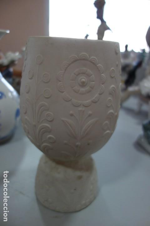 FLORERO DE PORCELANA DE LLADRO DE LOS AÑOS 70 (Antigüedades - Porcelanas y Cerámicas - Lladró)