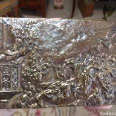 Antigüedades: ANTIGUA PLACA RELIGIOSA DE BRONCE LA PREDICACIÓN DE SAN VICENTE FERRER. Lote 164614348