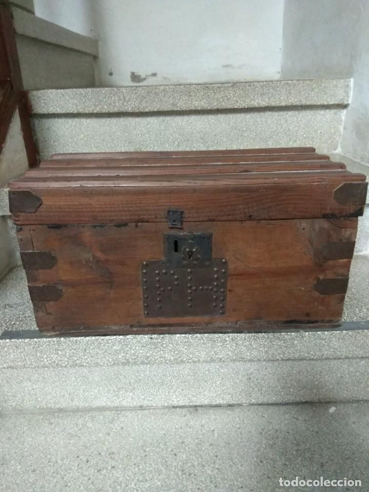 ARCON. BAUL. DE MADERA. MUY ANTIGUO. DECORACION. RUSTICO. VER FOTOS (Antigüedades - Muebles Antiguos - Baúles Antiguos)