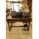 Antigüedades: ANTIGUO ESCRITORIO DE MADERA DE NOGAL. Lote 164639706
