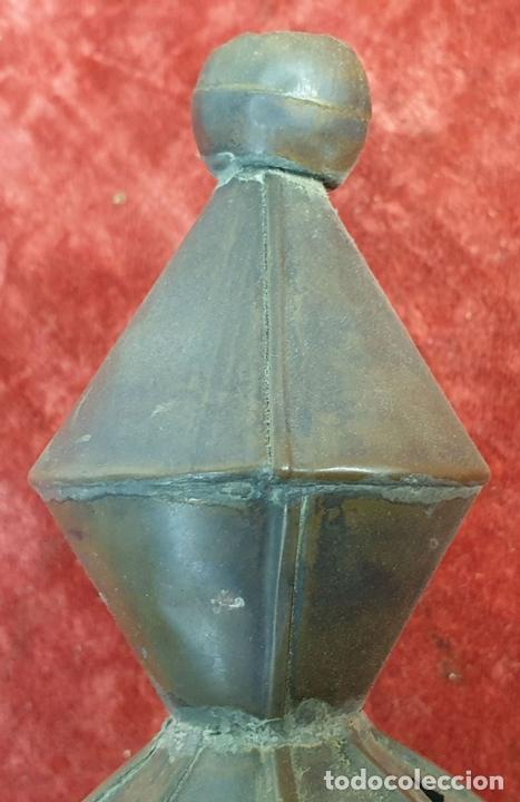 Antigüedades: FAROL DE VESTIBULO. LATÓN CALADO. CRISTAL ESTAMPADO. ESTILO ÁRABE. CIRCA 1950. - Foto 2 - 164670878