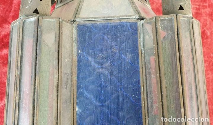 Antigüedades: FAROL DE VESTIBULO. LATÓN CALADO. CRISTAL ESTAMPADO. ESTILO ÁRABE. CIRCA 1950. - Foto 13 - 164670878