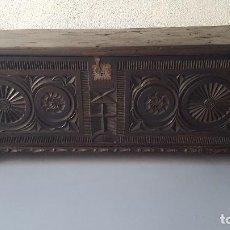 Antigüedades: ARCÓN TALLADO.. Lote 164691014
