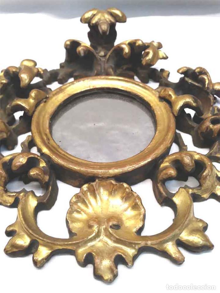 Antigüedades: Espejo Cornucopia talla madera dorada pan de oro S XIX. Med. 16 x 19 cm - Foto 2 - 164725226