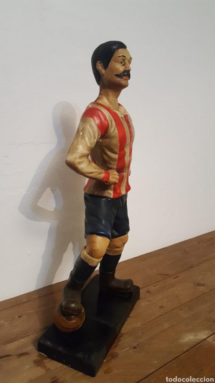 Antigüedades: Escultura de fútbolista - Foto 3 - 164734384